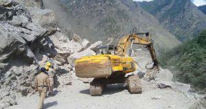 nti-news-badrinath-highway-blocked-due-to-landslide